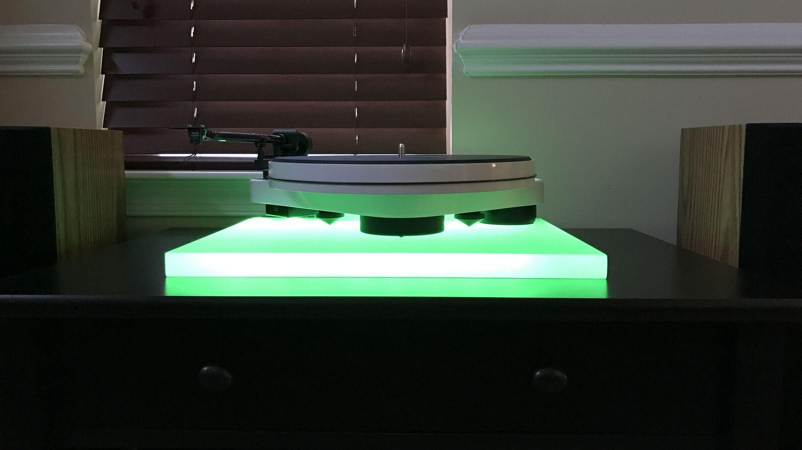 For Pro Ject Debut Carbon CUSTOM Acrylic Turntable Base/Isol