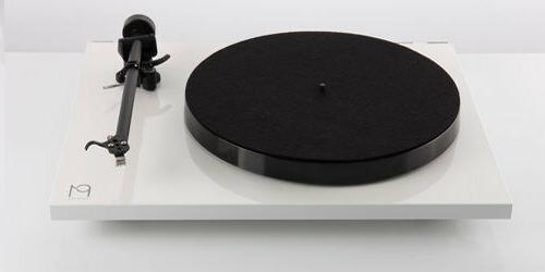 planar 1 turntable with rb110 tonearm carbon