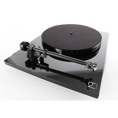 Rega Planar 1 with Tonearm Carbon